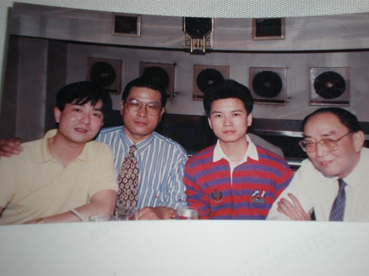 越剧王子赵志刚研讨上海沪剧的现状和发展   我的相册
